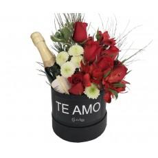 Box Floral - Te Amo, Rosas Vermelhas e Chandon Baby