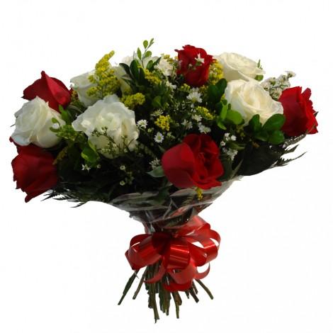 Buquê de Rosas Brancas e Vermelhas mescladas - 24 Rosas