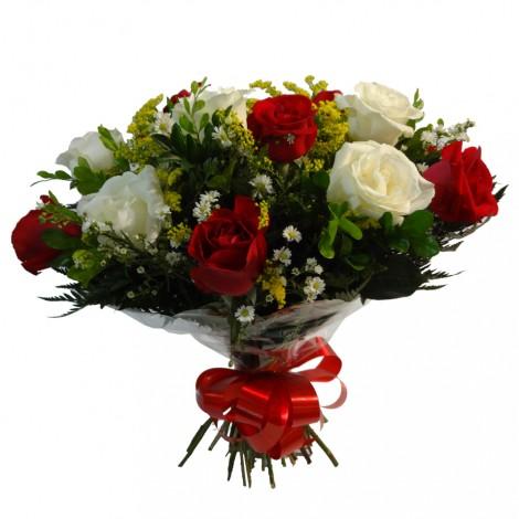 Buquê de Rosas Brancas e Vermelhas mescladas - 18 Rosas