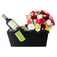 Vinho e Bouquet de Rosas