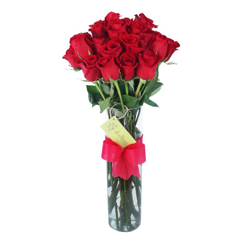 Buquê (ou bouquet) de rosas colombianas em jarro de vidro - entrega em BH
